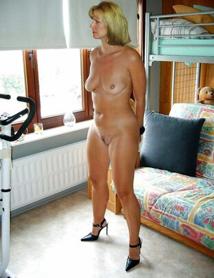 erotic milf galleries