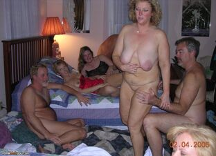 nude mature swingers