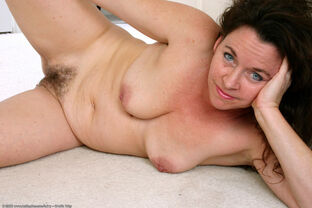 hairy mature mexican pussy