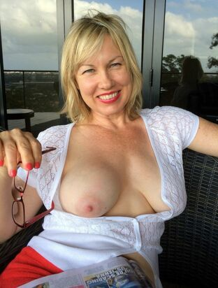 busty mature threesome