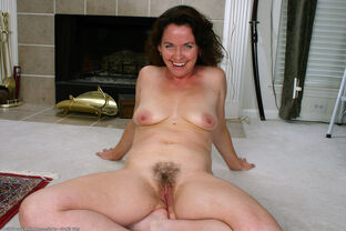 hairy mature gallerie