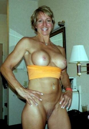 beautiful mature women nude